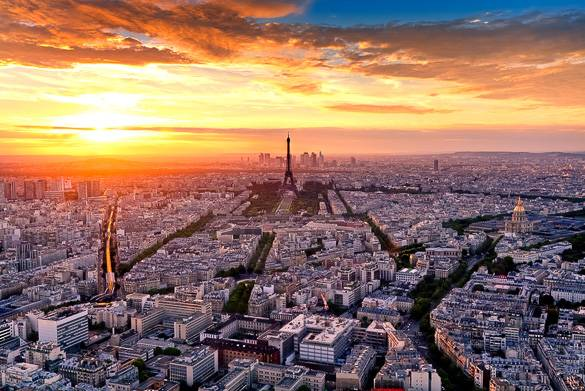 Image of a Paris sunset seen from the Montparnasse Tower