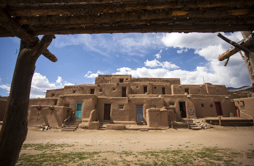 Taos led tours - biking shuttle and tours, walking tours, food tours, native culture tours Highlight Driving Tour
